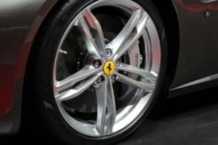 Ferrari-GTC4-Lusso-11-680x453