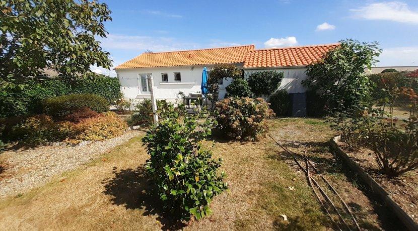 vente-centre-bourg-de-saint-paul-mont-penit-maison-3-chambres-st-paul-mont-penit-C0382M-2193-12