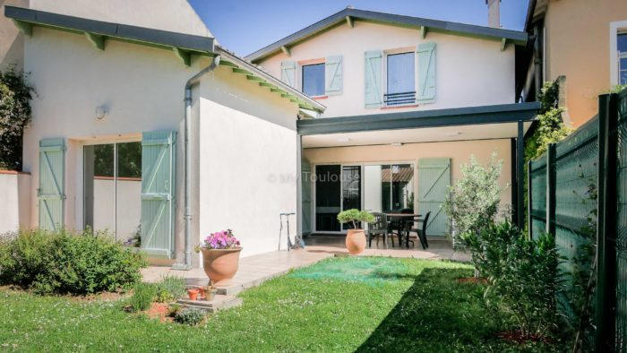 vente privee coeur croix de pierre maison t5 de 130 m2 avec garage et joli jardin sous offre