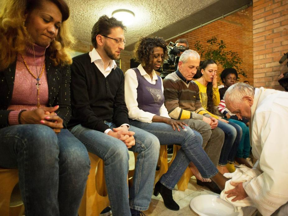 Resultado de imagem para imagem da quinta feira santa no vaticano