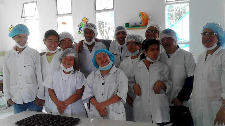 El CADIS y la Fábrica de Chocolates, un emprendimiento de jóvenes con discapacidad en Soacha