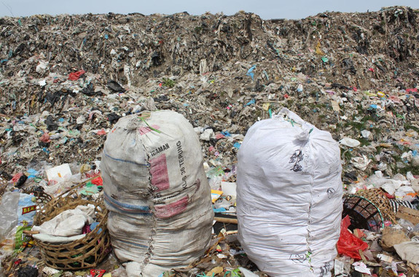 <p>Bolsas de plásticas recogidas para reciclar. /Jenna Jambeck/University of Georgia</p>