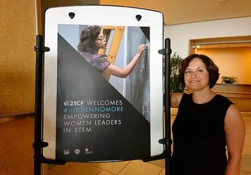 <p>El programa<em>HiddenNoMore: Empowering Women Leaders in STEM</em>, en el que ha participado la investigadora Lola Martínez del CNIO, está inspirado en la película Figuras Ocultas. / Foto cortesía de la investigadora</p>