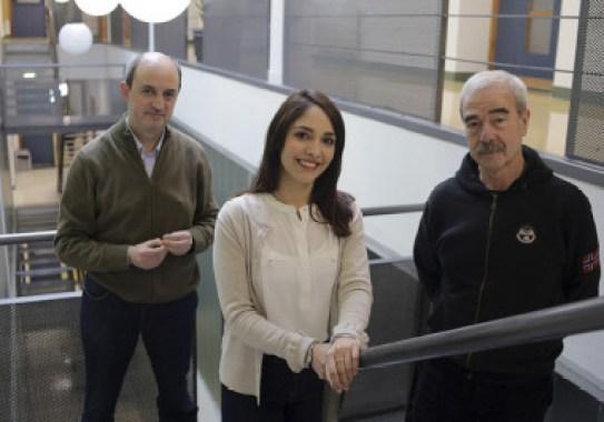 <p>De izquierda a derecha, Manuel Sánchez de Miguel, Florencia Barreto y Enrique Arranz / UPV/EHU</p>
