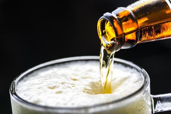 <p>El sabor suave de las cervezas Lager se consigue por la ausencia de aromas fenólicos. / Pixabay</p>
