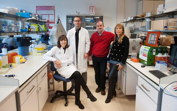 <p>De izquierda a derecha, Ana Gárate, Gorka Orive, José Luis Pedraz y Rosa Hernández (Foto: Nuria González).</p>