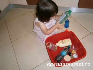 activitati copii.capace si sticlute