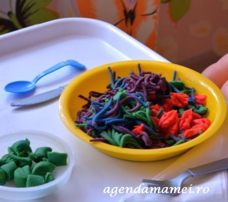 spaghete din plastilina