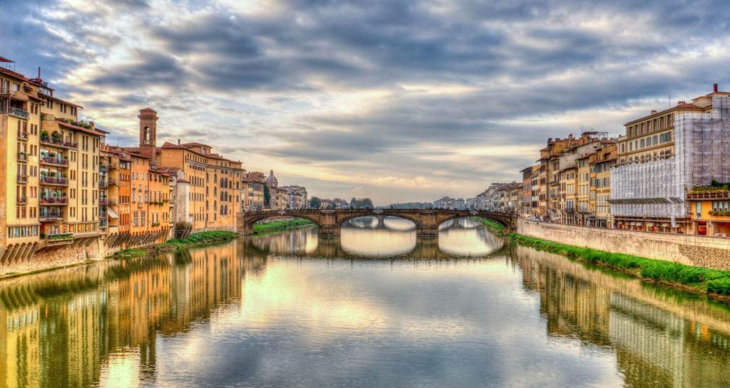Firenze: il Fiume Arno e Ponte Vecchio