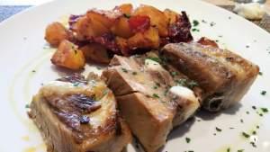 Tarachelle di maiale con patate e peperoni all' aceto