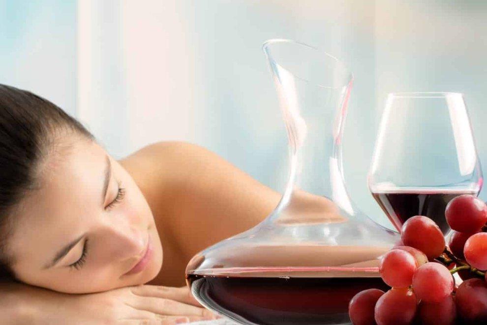 A Montefredane, in provincia di Avellino, l'agriresort Tenuta Ippocrate presenta percorsi benessere incentrati sul vino, l'uva e la vite.