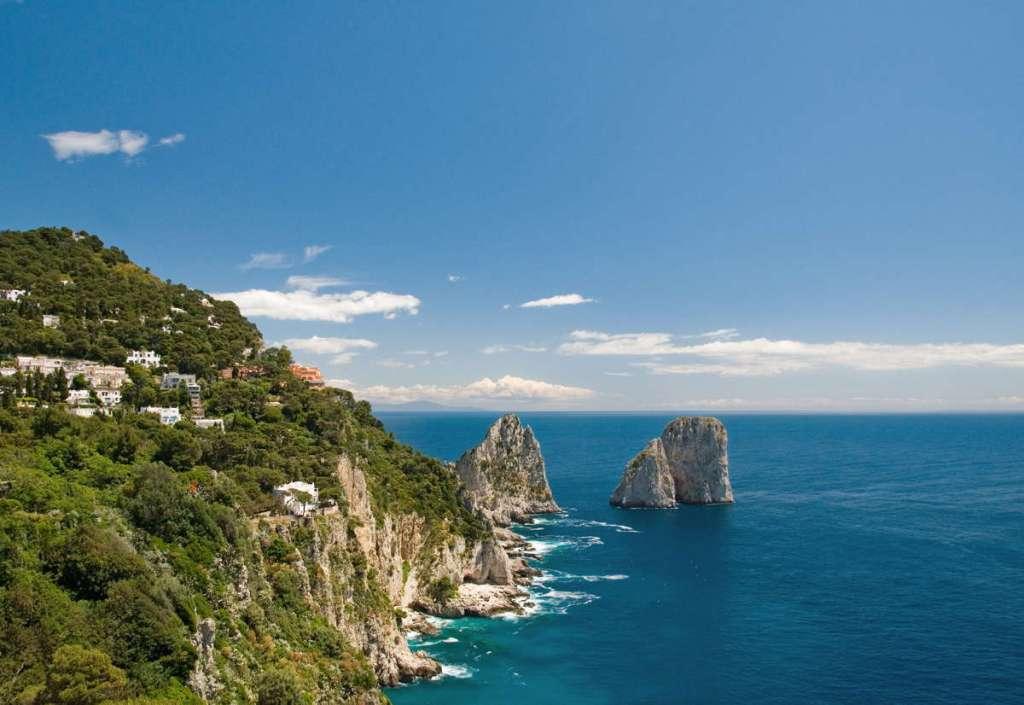 I Faraglioni di Capri, il panorama più suggestivo della Regione Campania