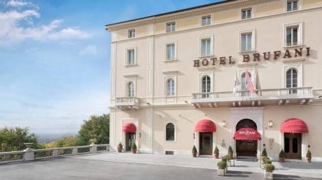 Dal 1884 il Sina Brufani è l'unico hotel 5 stelle lusso che domina la città di Perugia con la sua vista panoramica sulla verde valle Umbra.