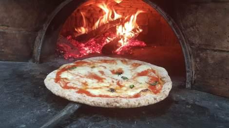 La pizza margherita integrale