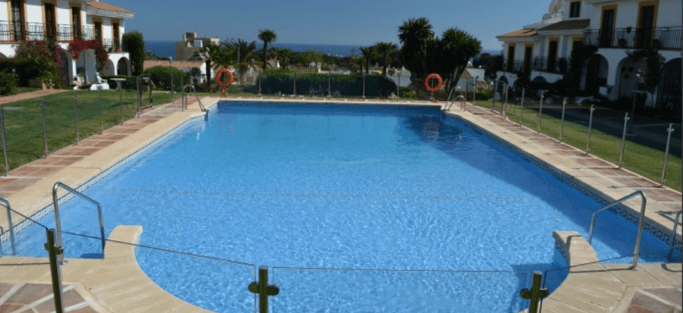 Bargain 7bed Villa In Calahonda With Seaviews And Huge