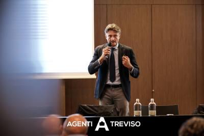 rivoluzione agente_11, agenti treviso