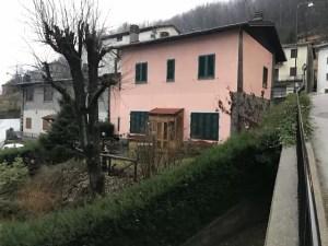 Appartamento Cutigliano Pianosinatico Tre Vani Mq 80 Giardino Mq 320