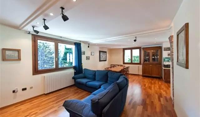 Affitto Mansarda Val di Luce Mq 150 Cinque Camere Quattro Bagni