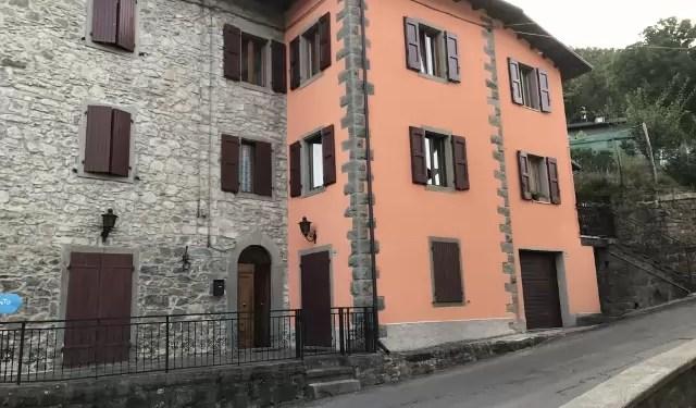 Mansarda in Villetta Fiumalbo Dogana Nuova 6 Vani Mq 180