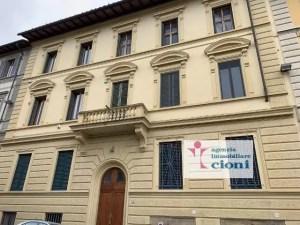 Quadrilocale Mq 170 Firenze Porta Romana V. Pindemonte Piano Rialzato