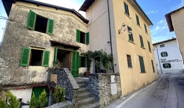 Villetta TerraTetto indipendente Cutigliano Centro Quadrilocale Mq 120 con Resede Garage e Taverna