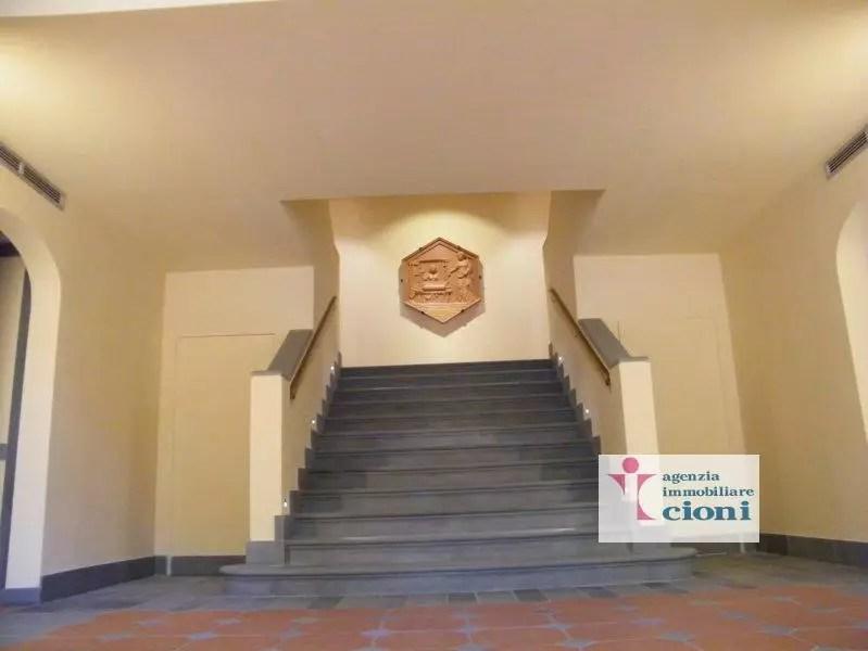 Trilocale Firenze San Frediano Mq 90 Piano terra Rialzato arredato (2)