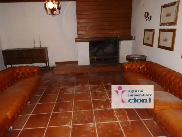 Villa Abetone Via Bagatti Mq 450 Dieci Locali (2)