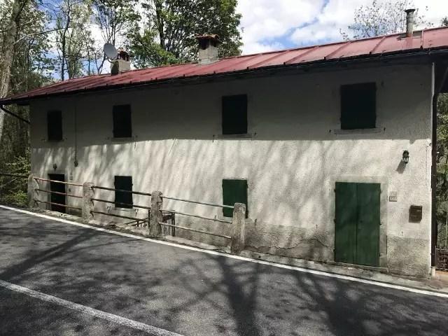 Villetta Bifamiliare Pianosinatico Porzione Terra Tetto Quattro Vani Mq 130 (39)