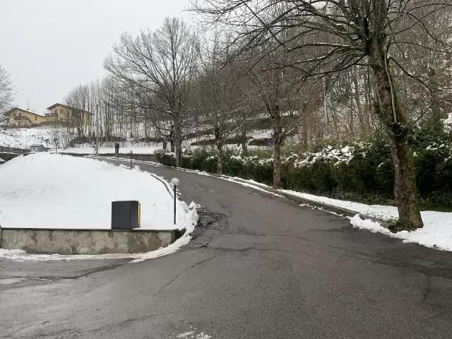 Mansarda Monolocale Mq 40 con Soppalco Mq 40 Fiumalbo Via Giardini quarto Piano Garage Cantina sottoteto (14)