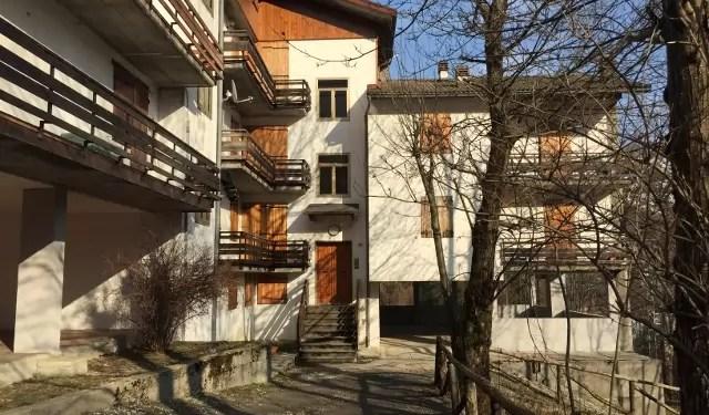 Trilocale Mq 59 Dogana Nuova Via Lago Secondo Piano balcone Parcheggio
