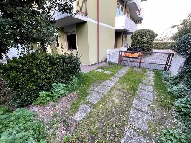 Trilocale Viareggio Terminetto Mq 66 Piano Terra Giardino Mq 100 Parcheggio Privato (4)