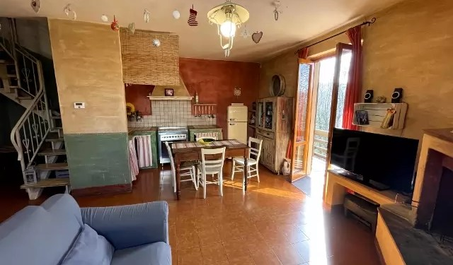Villetta Bifamiliare Prunetta Quadrilocale Mq 110 Garage Giardino