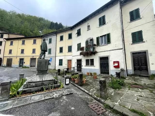 Villetta Ristrutturata Pianosinatico Mq 120 Quadrilocale Tre Piani Due Ingressi (13)
