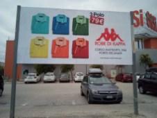 Impianto in affissione 4x2 parcheggio centro commerciale