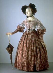 Wool dress, England 1836 - 1838 at Victoria and Albert Museum