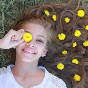 pixabay_young-1922401_640