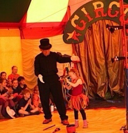 Magdalena performing in the show with Prof Panic