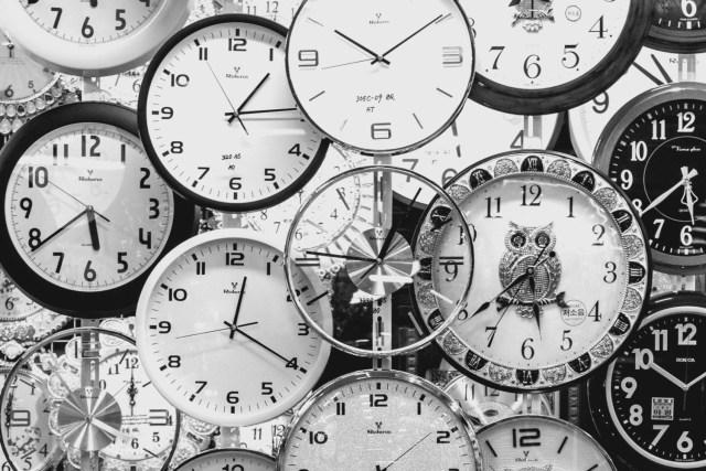 verschiedene Uhrziffernblätter