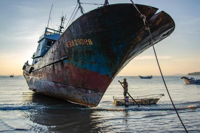 rostiges, altes Schiff