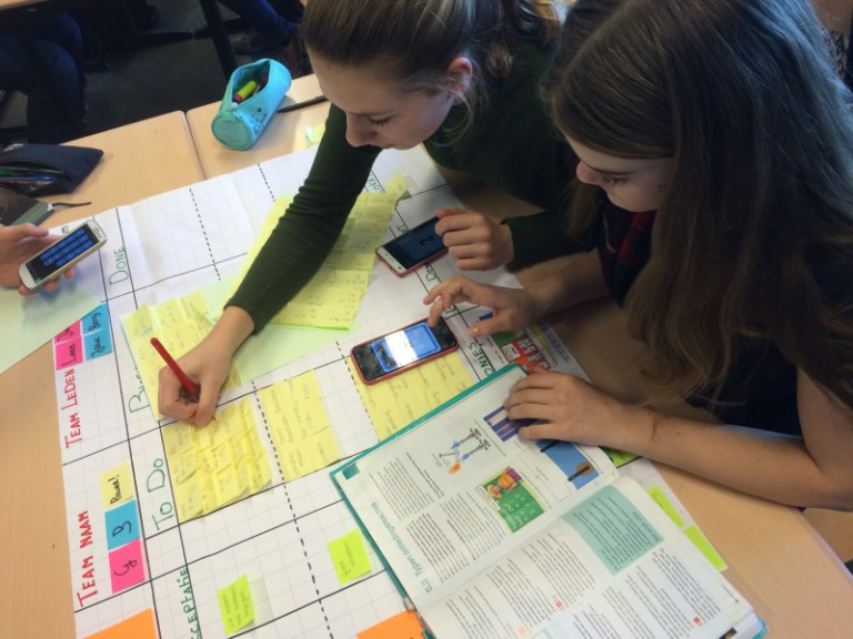 Transforming Education with eduScrum - Kids working on Flip