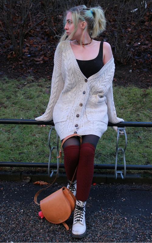 Big sweater and overknee socks