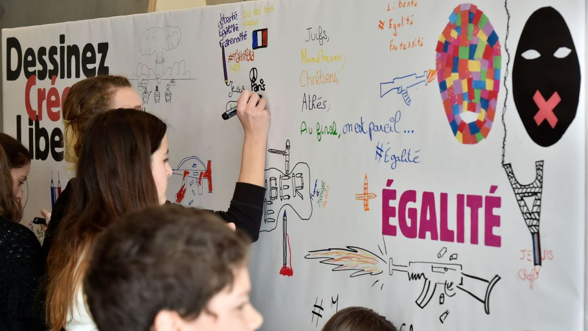 Grenoble : Une exposition de dessins d'enfants consacrés à la liberté d'expression