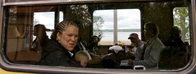 Passagerare i rälsbussen. Foto: René Pabst