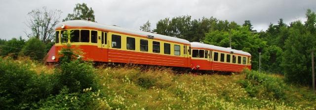 Rälsbusståget ankommer till Anten. Foto: Patrik Engberg