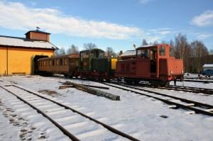 Vagn 22 och HBA2 växlas ut ur verkstaden. Foto: Yngve CG