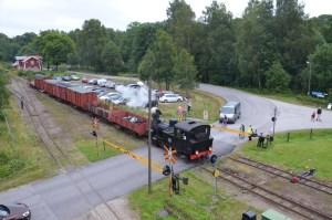 BLJ 6 ankommer med godståg. Foto: Yngve CG
