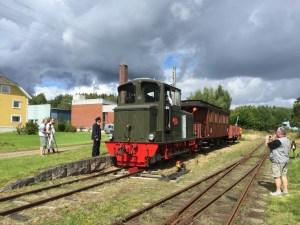 Blandat tåg med HBA 2 ställs in på stickspåret i Kvarnabo. Foto: Patrik Engberg
