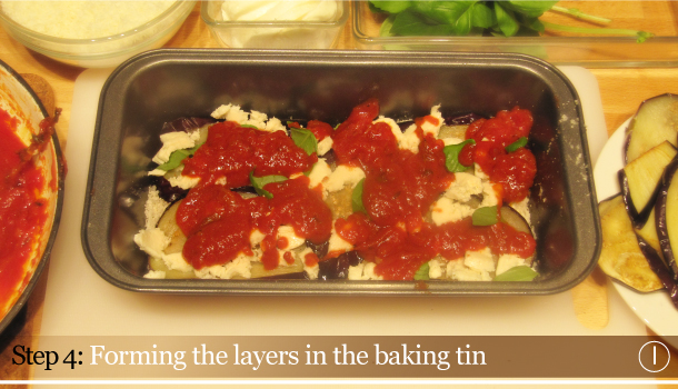 Parmigiana di Melanzane - Aubergine Parmigiana Pie - How to - step 4I - Forming the layers in the baking tin