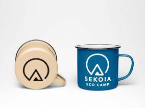 reproduction de l'identité visuelle de SEKOIA Eco camp sur des tasses