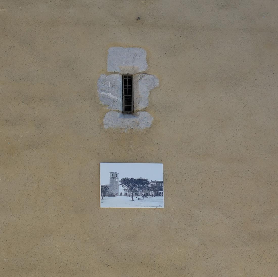 Exemple de panneaux extérieurs réalisés pour la Mairie de RIBIERS au format 50 x 70 cm - photo ancienne du village (travaux de retouche/de restauration de photos)